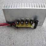 Spannungsregler mit Kühlkörper